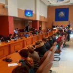 Μαθητές σε ρόλο Περιφερειακών Συμβούλων-Απόστολος Κατσιφάρας: «Σας ακούμε, μαθαίνουμε»