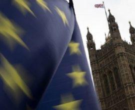 Τελεσίγραφο της Κομισιόν στο Λονδίνο: Καμία νέα διαπραγμάτευση για το Brexit