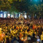 Περιφορά και συνάντηση επιταφίων στην πλατεία Πλατάνου του Δήμου Κηφισιάς