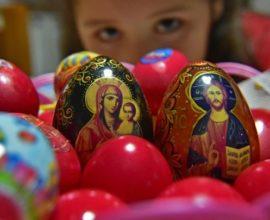 Δωδεκάνησα: Με διαφορετικά έθιμα σε κάθε νησί εορτάζεται το Πάσχα