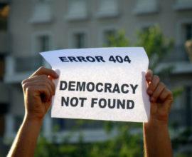Έρευνα: Ο μισός πληθυσμός της Γης πιστεύει ότι η χώρα όπου ζει δεν είναι δημοκρατική