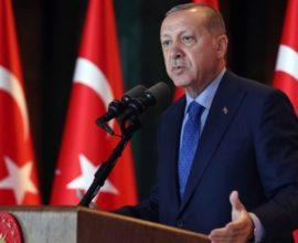 Ξανά προκλητικός ο Ερντογάν: Δεν θα καταφέρετε να συλλάβετε το πλήρωμα του «Πορθητή» – Οι ένοπλες δυνάμεις είναι εκεί