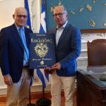 Στον Αντιπεριφερειάρχη Κυκλάδων ο Ιταλός Πρέσβης για θέματα κοινού ενδιαφέροντος