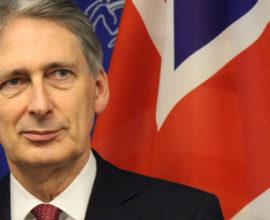 Υπουργός Οικονομικών Φίλιπ Χάμοντ «θα κάνω τα πάντα να μην συμβεί το Brexit»