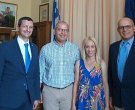 Στη Σύρο ο Ιταλός Πρέσβης , συνάντηση με την Αντιδήμαρχο Πολιτισμού και τον πρόεδρο δημοτικού συμβουλίου