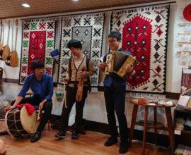 Ο Ιάπωνας που λατρεύει τον Καζαντζάκη και την ποντιακή λύρα και από τον Σεπτέμβριο γίνεται και πάλι… Σαλονικιός