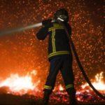 Φωτιά στο Ζηρό Πρεβεζας, υπό μερικό έλεγχο τα μέτωπα σε Σάμο και Φάρσαλα