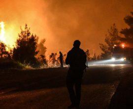 Πυρκαγιά στα Κύθηρα- Υπό μερικό έλεγχο η φωτιά στη Βάρδα Ηλείας