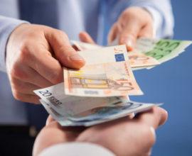 Τέλος η πληρωμή ενοικίων στο … χέρι – Υποχρεωτικά μέσω τραπέζης