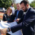 Ο Νεκτάριος Φαρμάκης στη θεμελίωση της νέας μονάδας της «ΜΕΡΙΜΝΑΣ»