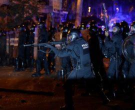 Την Ισπανική Πολιτοφυλακή αναπτύσει στη Βαρκελώνη , η κυβέρνηση υπό το φόβο εξέγερσης