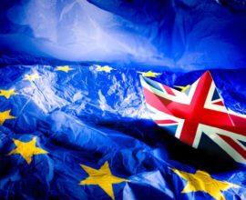 Brexit: Κατατέθηκε το πλήρες κείμενο για τη Συμφωνία Αποχώρησης