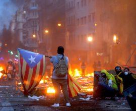 Μέρες εξέγερσης ζει η Καταλονία- Γενικευμένες ταραχές