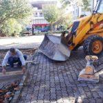 Δήμος Θηβαίων: Επιδιορθώσεις στο πλακόστρωτο της πλατείας του Αγίου Γεωργίου