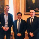 Στον Κώστα Μπακογιάννη ο πρόεδρος της Bank of China και κινέζοι επιχειρηματίες