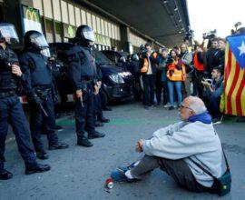 Υποστηρικτές της Ανεξαρτησίας κατέλαβαν σιδηροδρομικό σταθμό στη Βαρκελώνη