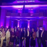 Στα μώβ η Περιφέρεια Κρήτης με φωτεινό και ηχηρό το μήνυμα της πρόληψης του καρκίνου