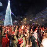 Καστοριά: Άναψε στην πλατεία Ομονοίας το χριστουγεννιάτικο δέντρο