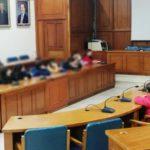 Δήμος Τρικκαίων: «Ανάκριση» της αντιδημάρχου Έργων από τους σκληρότερους κριτές: μαθητές/τριες!