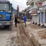 Προχωρά η ανάπλαση του κεντρικού δρόμου στο Νυδρί – Επίσκεψη του Αντιπεριφερειάρχη Λευκάδας στις εργασίες πεζοδρόμησης