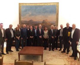 Ευρεία σύσκεψη για τους διευρωπαϊκούς οδικούς άξονες της Ηπείρου, στη Βουλή
