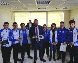 Ο Ν. Φαρμάκης βράβευσε τους μαθητές από την Αιτωλοακαρνανία που συμμετείχαν στην 21η Ολυμπιάδα Ρομποτικής με την Εθνική Ομάδα
