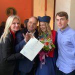 Περήφανος πατέρας ο Δήμαρχος Βάρης Βούλας Βουλιαγμένης με την ορκωμοσία της κόρης του!