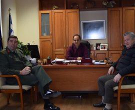 Επίσκεψη του Διοικητή του ΚΕΣΝ Ρούσσου στον Δήμαρχο Καρδίτσας