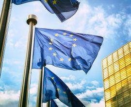Κορονοϊός: Η ΕΕ δεν σχεδιάζει ακόμα να επιβάλει περιορισμούς στα ταξίδια