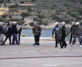 Χουλιγκανική αποχώρηση των ΜΑΤ από τα Μεστά Χίου – Έσπαγαν και αποκαλούσαν τους κατοίκους Τουρκόσπορους