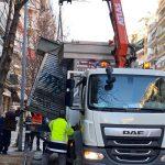 «Ξηλώνει» εγκαταλειμμένα περίπτερα ο Δήμος Θεσσαλονίκης