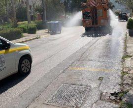 Δήμος Γλυφάδας: Απολύμανση με ψεκασμούς και πιεστικά σε κάθε γωνιά της πόλης