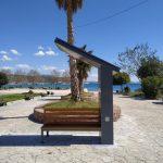 Τα πρώτα infokiosk – παγκάκια με ελληνικά χρώματα,εγκαταστάθηκαν στον δήμο Βάρης Βούλας Βουλιαγμένης