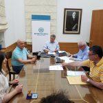 Υπογραφή σύμβασης στην Περιφέρεια Κρήτης για τη στήριξη ευπαθών οικογενειών