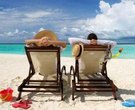 Οι Ευρωπαίοι θα ταξιδέψουν για τις διακοπές τους εντός Ε.Ε.