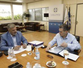 Συνάντηση του Περιφερειάρχη Αττικής Γ. Πατούλη με τον Δήμαρχο Καλλιθέας Δ. Κάρναβο