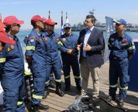 ΠΚΜ: Εξοπλισμό για την αντιμετώπιση των πλημμυρών στην Πυροσβεστική παρέδωσε ο Απ. Τζιτζικώστας