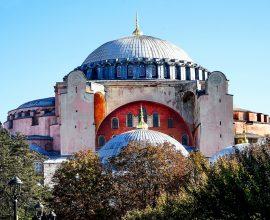 Τούρκος θεολόγος αποδομεί τη ρητορική Ερντογάν για την Αγιά Σοφιά και «βλέπει» ψηφοθηρικούς λόγους