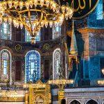 Οι βέβηλοι Οθωμανοί μεταφέρουν τα χριστιανικά κειμήλια από την Αγιά Σοφιά