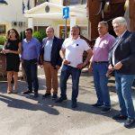 Απορριμματοφόρο ανακύκλωσης και καφέ κάδους παρέλαβε ο Δήμος Μάνδρας Ειδυλλίας