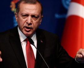 «Γαβγίζει» ο Ερντογάν στη διεθνή κοινότητα για την Αγιά Σοφιά και επιμένει στην αθλιότητα