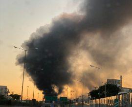 Μεγάλη φωτιά σε εργοστάσιο πλαστικών στη Μεταμόρφωση – Κλειστή η Εθνική Οδός Αθηνών-Λαμίας