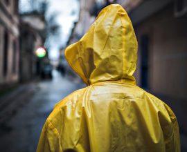 Η «Θάλεια» είναι εδώ και σφυροκοπά – Φέρνει βροχές, καταιγίδες και ισχυρούς ανέμους