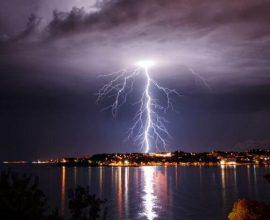 Κακοκαιρία «Θάλεια»: Έπεσαν 10.000 κεραυνοί πάνω από την Ελλάδα