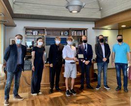 Ο Δήμαρχος Θεσσαλονίκης βράβευσε τον αθλητή της ιστιοπλοΐας Αναστάσιο Γκαρίπη