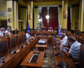 Ψήφισμα Περιφερειακού Συμβουλίου Β. Αιγαίου για αποσυμφόρηση των νησιών: «Καμία δομή στα νησιά του Βορείου Αιγαίου»