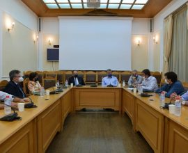 Το μέτρο του Μεταφορικού Ισοδύναμου για την Κρήτη ανακοίνωσε ο Υπουργός Ναυτιλίας στην Περιφέρεια