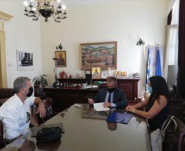 Π.Ε. Σερρών: Υπογραφή σύμβασης για το έργο της αποκατάστασης αναχωμάτων π.Στρυμόνα στο τμήμα Θολός-Πεθελινός