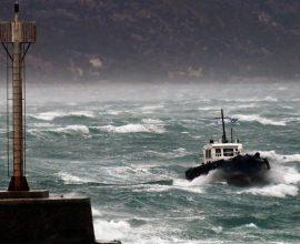 Προβλήματα στις ακτοπλοϊκές συγκοινωνίες στη δυτική Ελλάδα λόγω ισχυρών ανέμων