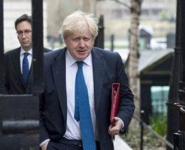 Βρετανία: Ο Τζόνσον εξετάζει δεύτερο lockdown εξαιτίας του κορονοϊού